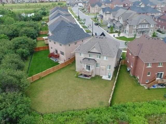 Detached at 56 Midcrest Circ, Brampton, Ontario. Image 13