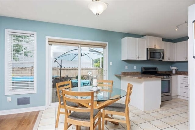 Detached at 60 Tanners Dr, Halton Hills, Ontario. Image 17