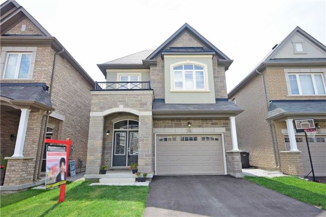 Detached at 70 Lloyd Cres, Brampton, Ontario. Image 1