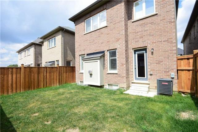 Detached at 70 Lloyd Cres, Brampton, Ontario. Image 13