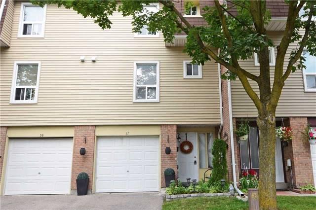 Condo Townhouse at 37 Ellis Dr, Brampton, Ontario. Image 1