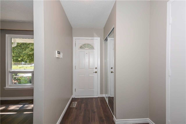 Detached at 717 Woodward Ave, Milton, Ontario. Image 12