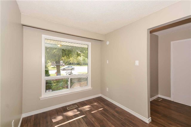 Detached at 717 Woodward Ave, Milton, Ontario. Image 14