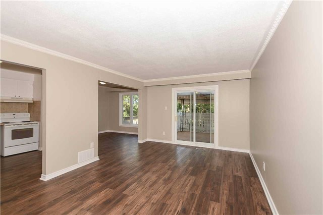 Detached at 717 Woodward Ave, Milton, Ontario. Image 17