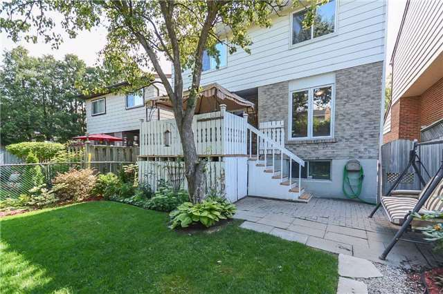 Detached at 717 Woodward Ave, Milton, Ontario. Image 11