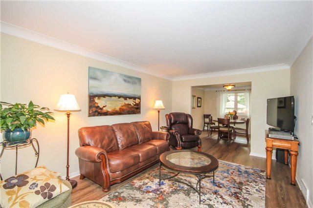 Detached at 396 Bronte Rd, Oakville, Ontario. Image 11
