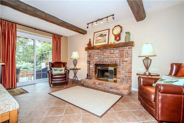 Detached at 396 Bronte Rd, Oakville, Ontario. Image 14