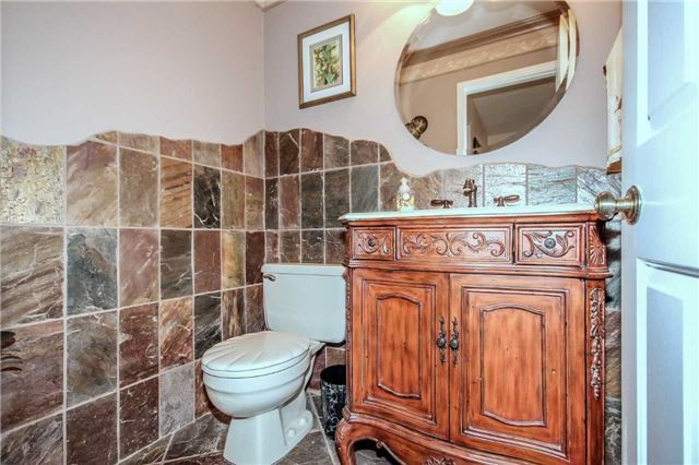 Detached at 396 Bronte Rd, Oakville, Ontario. Image 15