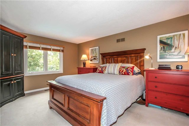 Detached at 396 Bronte Rd, Oakville, Ontario. Image 16