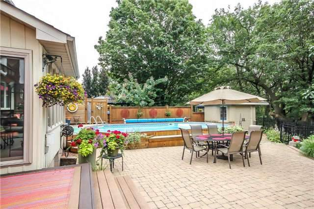 Detached at 396 Bronte Rd, Oakville, Ontario. Image 4