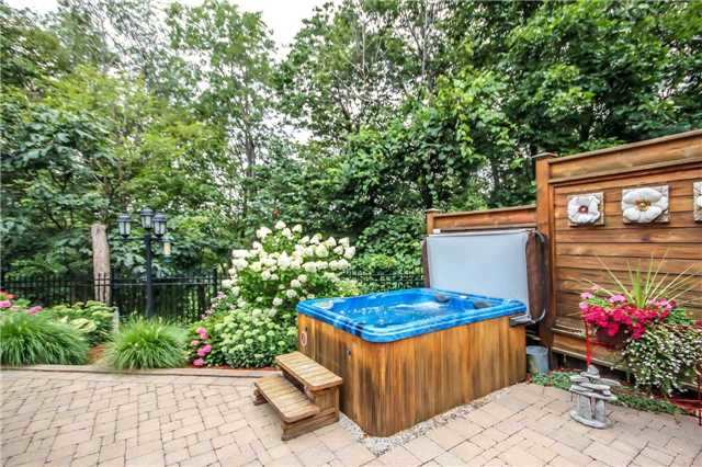 Detached at 396 Bronte Rd, Oakville, Ontario. Image 5