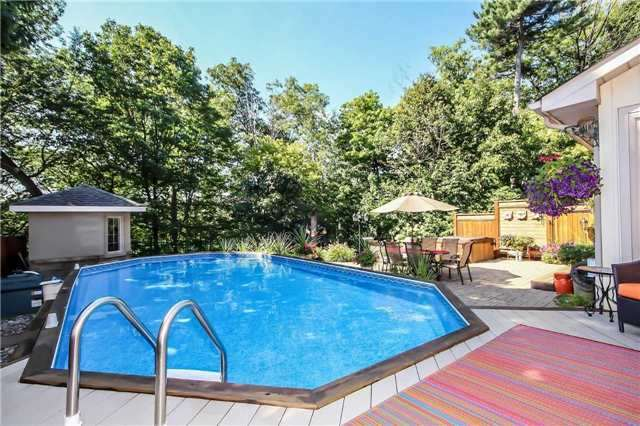 Detached at 396 Bronte Rd, Oakville, Ontario. Image 6