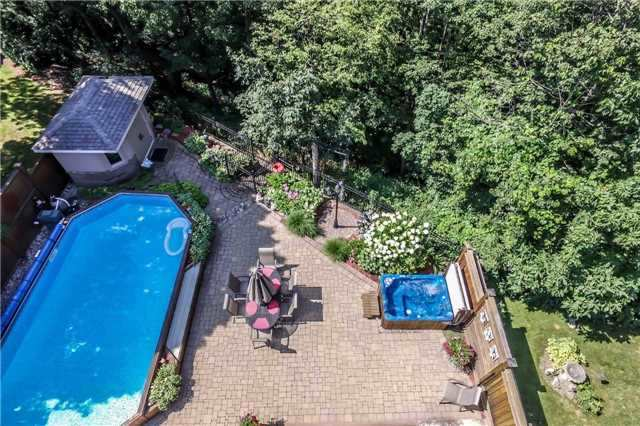 Detached at 396 Bronte Rd, Oakville, Ontario. Image 7