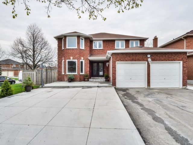 Detached at 7 Worth Ave, Brampton, Ontario. Image 1