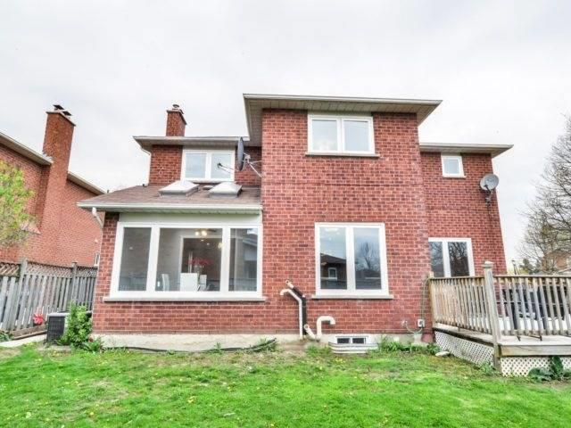 Detached at 7 Worth Ave, Brampton, Ontario. Image 11