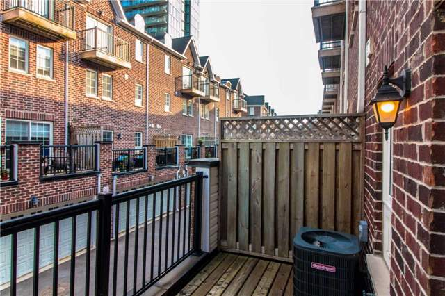 Condo Townhouse at 111 The Queensway Ave, Unit Th50, Toronto, Ontario. Image 13