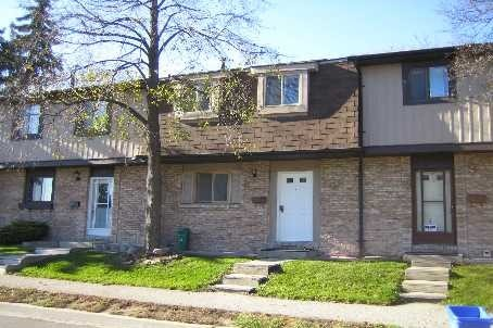 Condo Townhouse at 93 Hansen Rd, Unit 33, Brampton, Ontario. Image 1