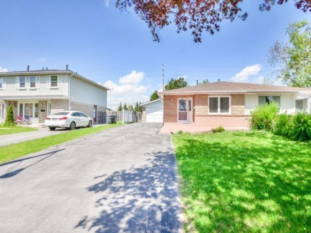 Semi-detached at 75 Marblehead Cres, Brampton, Ontario. Image 1