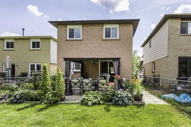 Detached at 182 Martindale Cres, Brampton, Ontario. Image 11