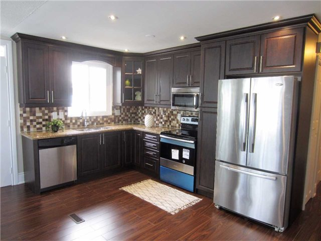 Detached at 19 Finchley Cres, Brampton, Ontario. Image 14