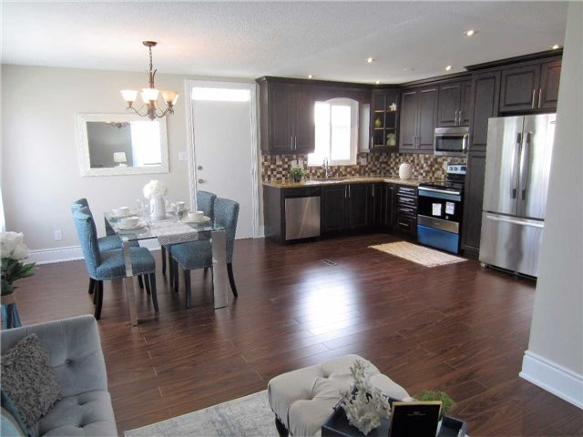 Detached at 19 Finchley Cres, Brampton, Ontario. Image 16