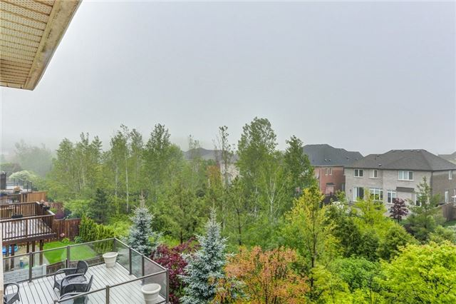 Detached at 2193 Whitworth Dr, Oakville, Ontario. Image 12