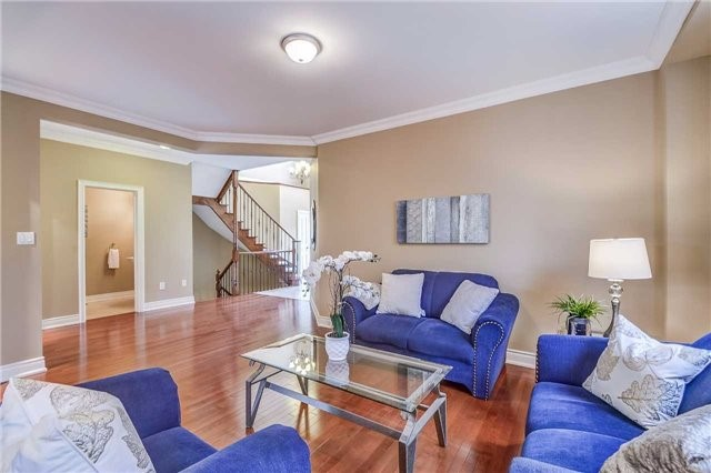 Detached at 2193 Whitworth Dr, Oakville, Ontario. Image 15