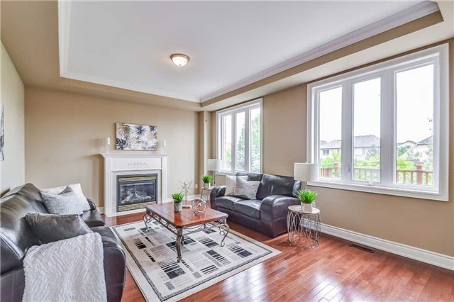 Detached at 2193 Whitworth Dr, Oakville, Ontario. Image 20