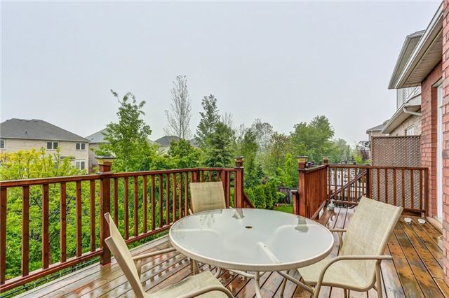 Detached at 2193 Whitworth Dr, Oakville, Ontario. Image 11