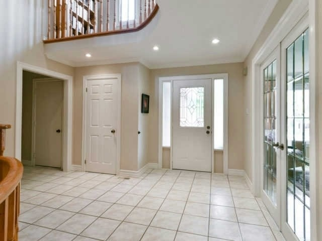 Detached at 2116 Laurelwood Dr, Oakville, Ontario. Image 5
