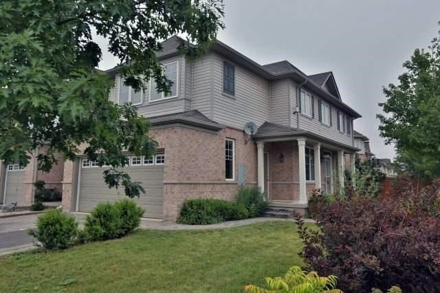 Townhouse at 3335 Stalybridge Dr, Oakville, Ontario. Image 12