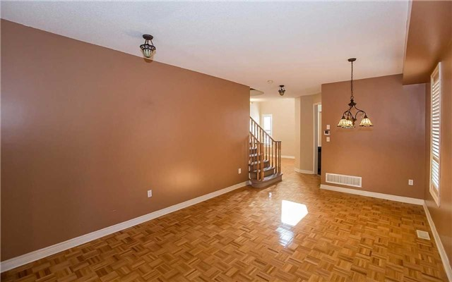 Semi-detached at 79 Ashdale Rd, Brampton, Ontario. Image 15