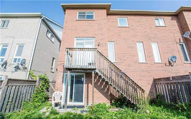 Semi-detached at 79 Ashdale Rd, Brampton, Ontario. Image 13