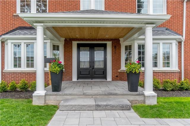 Detached at 871 North Service Rd, Mississauga, Ontario. Image 1