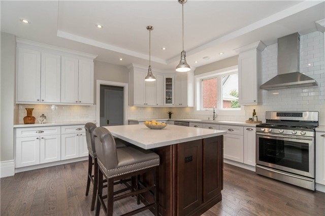 Detached at 871 North Service Rd, Mississauga, Ontario. Image 14