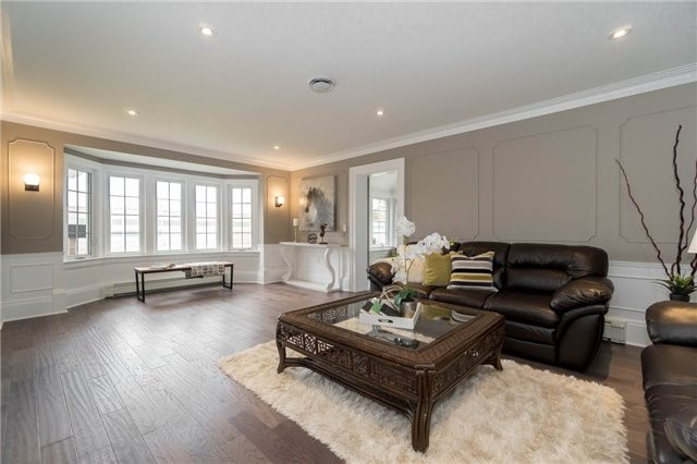 Detached at 871 North Service Rd, Mississauga, Ontario. Image 19