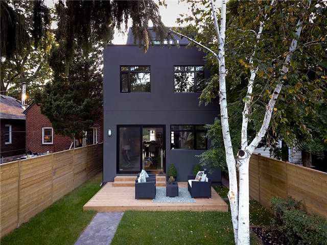Detached at 635 Durie St, Toronto, Ontario. Image 10