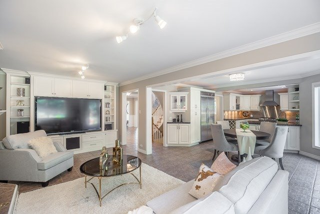 Detached at 1256 Old Colony Rd, Oakville, Ontario. Image 3