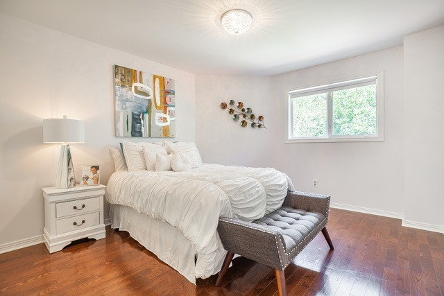 Detached at 1256 Old Colony Rd, Oakville, Ontario. Image 9