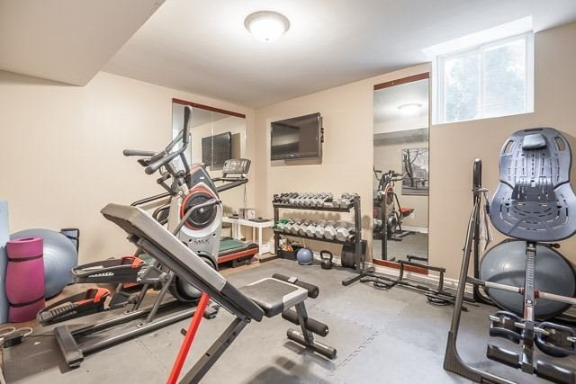Detached at 1256 Old Colony Rd, Oakville, Ontario. Image 13