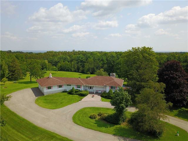 Detached at 17509 Mountainview Rd N, Caledon, Ontario. Image 1