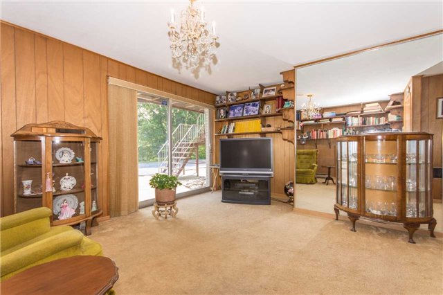 Detached at 17509 Mountainview Rd N, Caledon, Ontario. Image 2