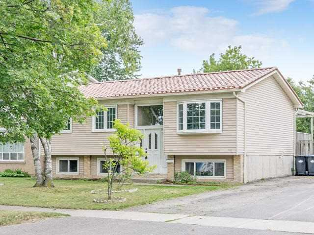 Detached at 43 Carberry Cres, Brampton, Ontario. Image 1