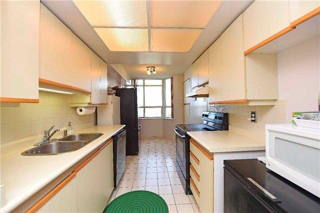 Condo Apartment at 30 Malta Ave, Unit 2110, Brampton, Ontario. Image 15