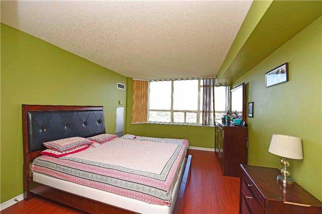 Condo Apartment at 30 Malta Ave, Unit 2110, Brampton, Ontario. Image 18