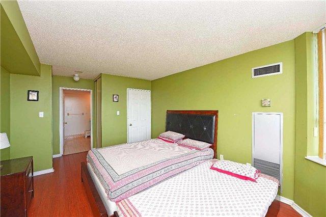 Condo Apartment at 30 Malta Ave, Unit 2110, Brampton, Ontario. Image 19