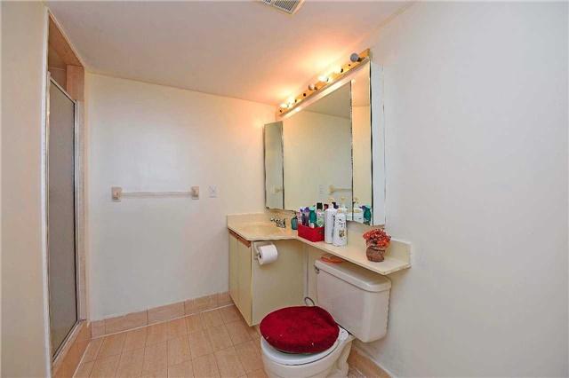 Condo Apartment at 30 Malta Ave, Unit 2110, Brampton, Ontario. Image 20