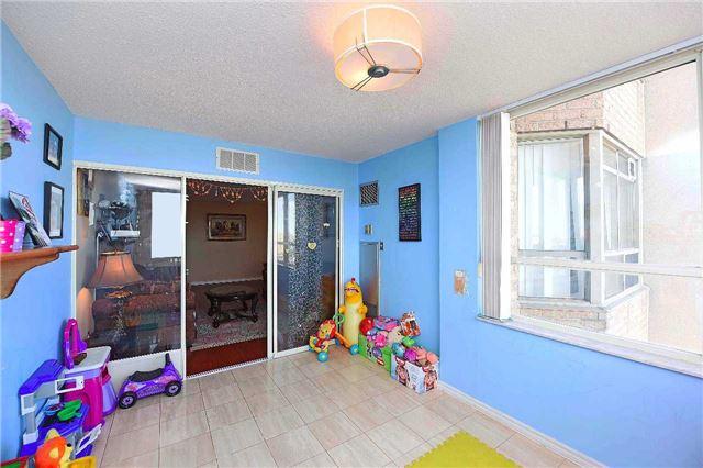 Condo Apartment at 30 Malta Ave, Unit 2110, Brampton, Ontario. Image 4