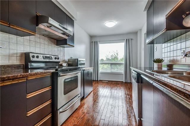 Condo Townhouse at 1176 Kelsey Crt, Unit 15, Oakville, Ontario. Image 20