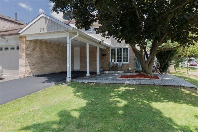 Townhouse at 92 Fanshawe Dr, Brampton, Ontario. Image 1